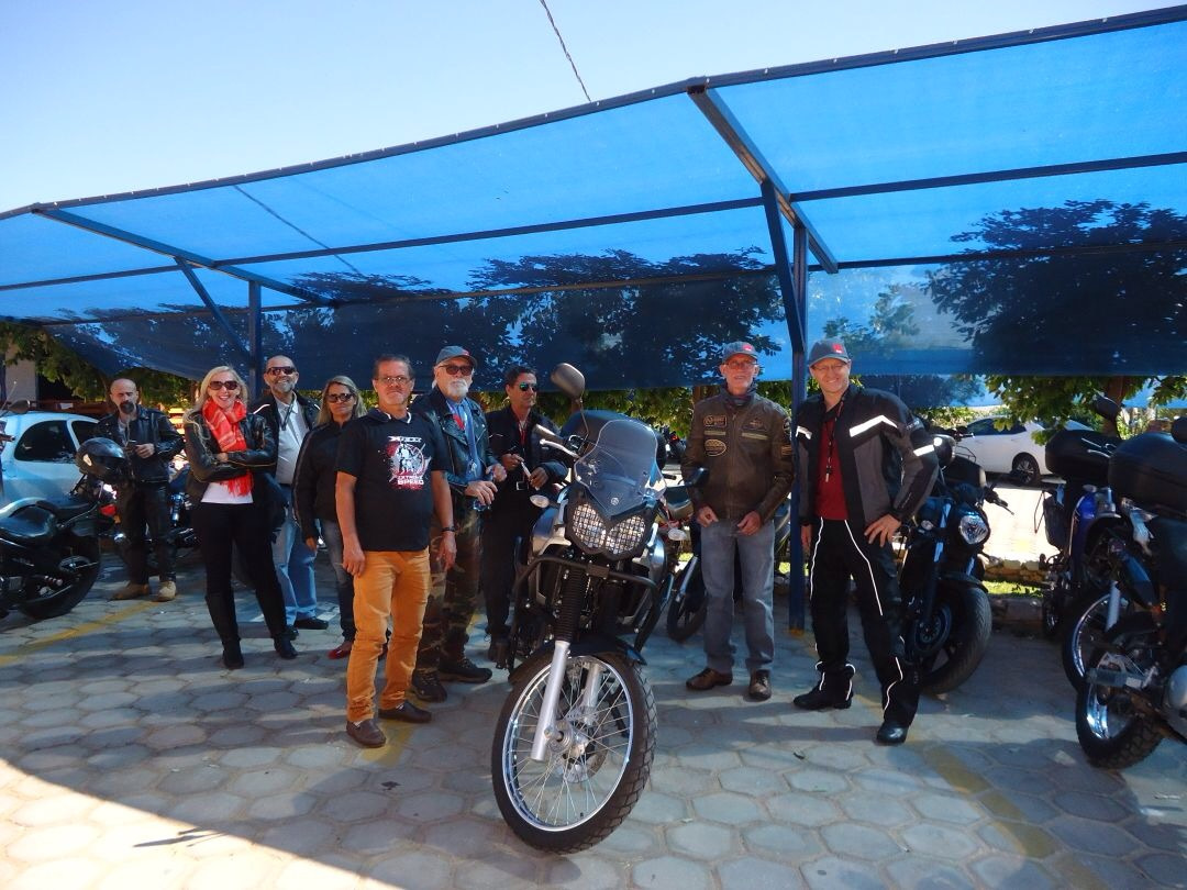 Part of our group of friends at Casarão Restaurant (Cezarina - GO - BR-060 road),on the 9th of July, 2017.
