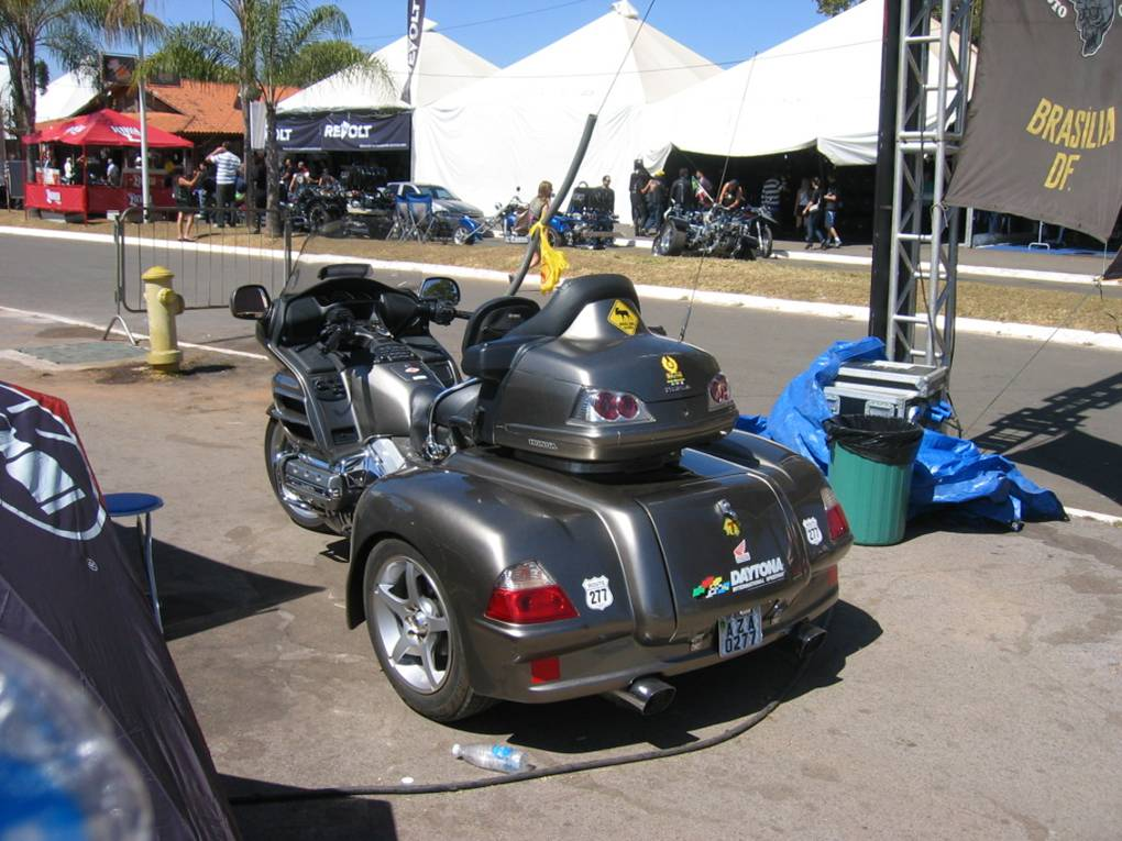 Triciclo Honda GoldWing (kit Trike).