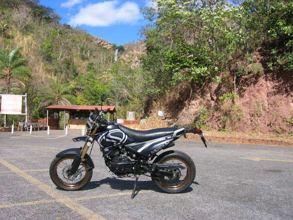 My Sundown STX Motard by the entrance of the Municipal Park of the Itiquira Fall, that is located in the municipality of Formosa - GO.