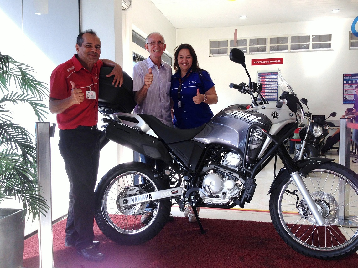 The Yamaha Téneré 250 being delivered to me at Belcar Yamaha em Goiânia - GO.