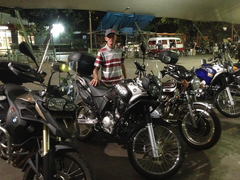 Me and my Yamaha XTZ 250 Ténéré Blueflex, 2017 alongside with other motorbikes at the Weekly Motorcycling Gathering - Av. Paranaíba - Goiânia - GO.